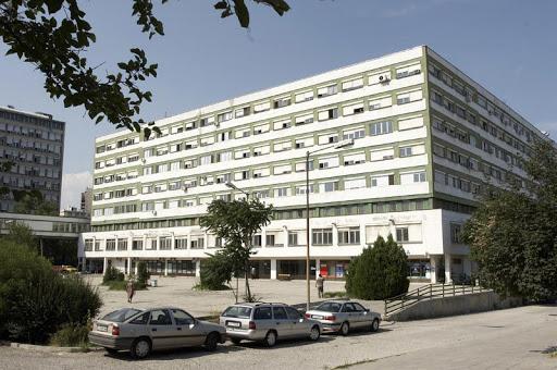 Мъж скочи от 8-я етаж на УМБАЛ Бургас