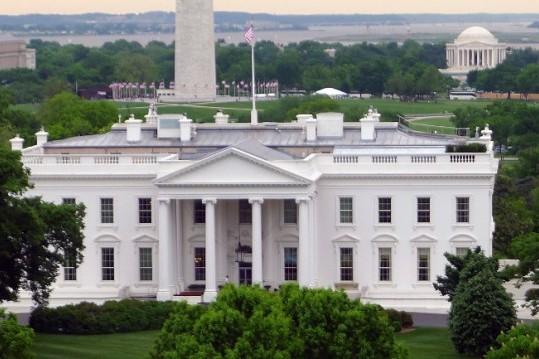Белият дом е основно почистен преди да се нанесе Джо Байдън