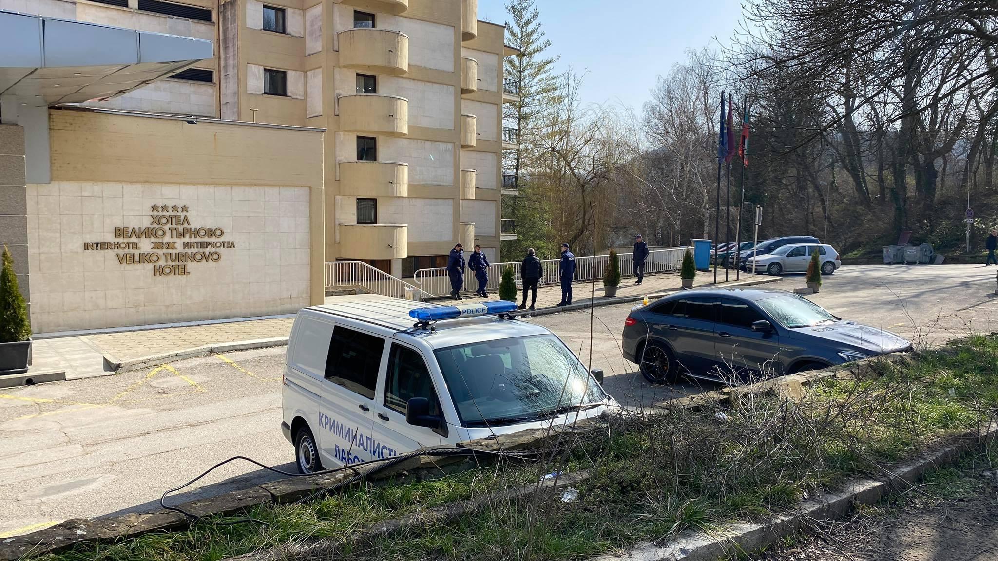 Полицейска акция в района на Интерхотела (СНИМКИ)