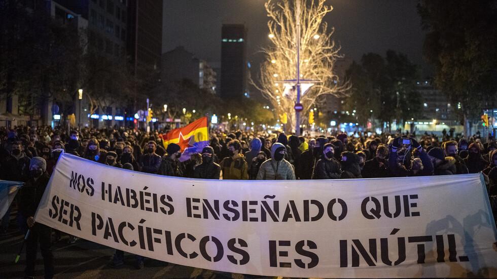Шеста поредна нощ в Испания се състояха протести срещу осъждането на рапъра Пабло Хасел