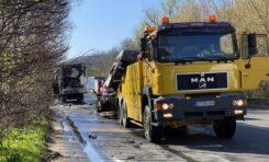 Турски ТИР се запали и блокира за часове пътя Велико Търново - Русе СНИМКИ / ВИДЕО