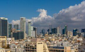 Израел ще следи карантинираните чужденци с електронни гривни