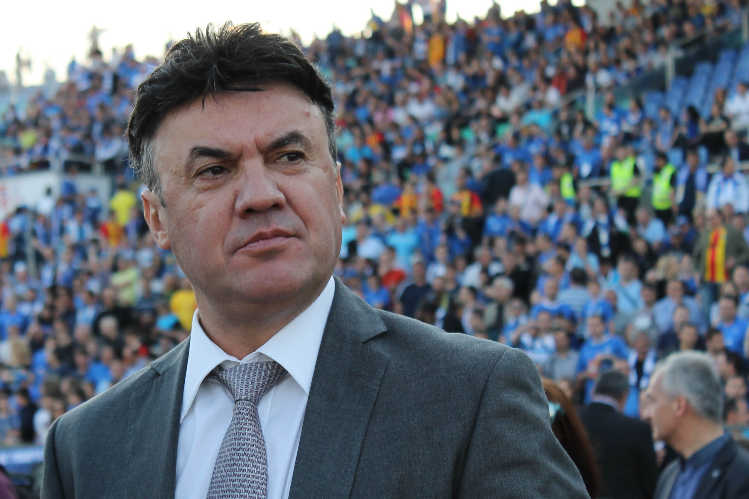 Изненада! Боби Михайлов оттегли оставката си