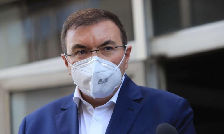 """Министър Ангелов свиква извънредно заседание заради ваксината на """"АстраЗенека"""""""
