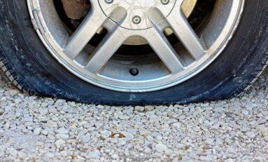 Десетки автомобили в София са с надупчени гуми