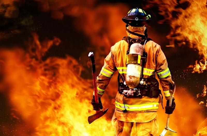 Днес отбелязваме Международният ден на пожарникаря, коминочистача и металурга