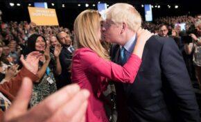 Борис Джонсън се ожени на тайна церемония (ВИДЕО)