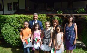 Във възрожденска Елена наградиха заслужили ученици на 24 май