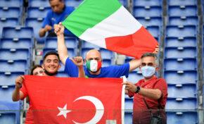 Италия и Турция се изправят един срещу друг в първия мач на Европейското първенство по футбол
