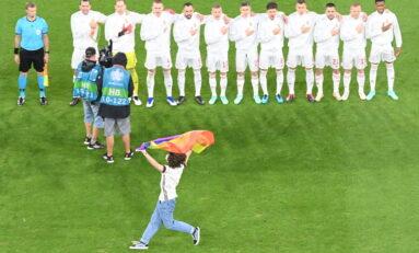 Обратен ефект: Как УЕФА си вкара автогол с цветовете на дъгата