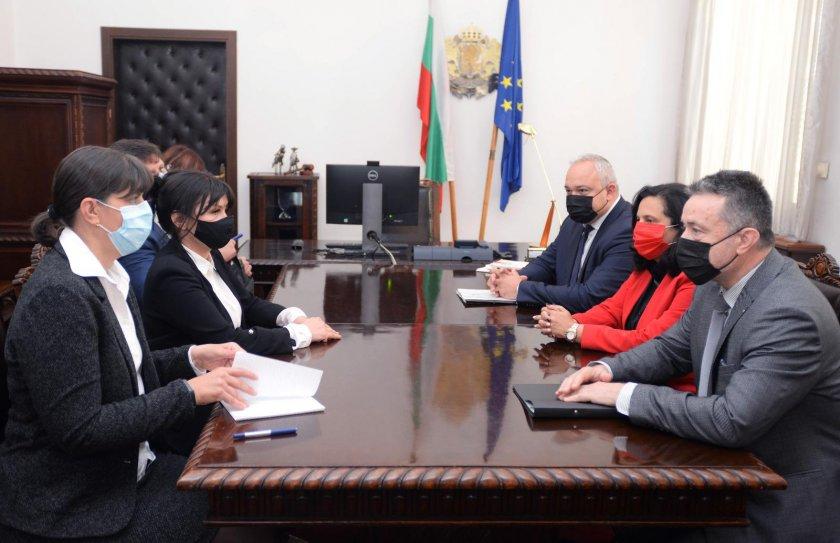Янаки Стоилов и Лаура Кьовеши обсъдиха делегираните прокурори и специализираното правосъдие