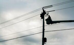 Млад мъж загина след токов удар от паднала след бурята жица в Златарица