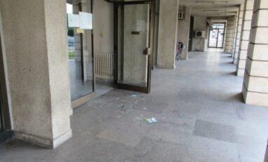 Арестуван е агресивен мъж, счупил стъкло в русенската полиция