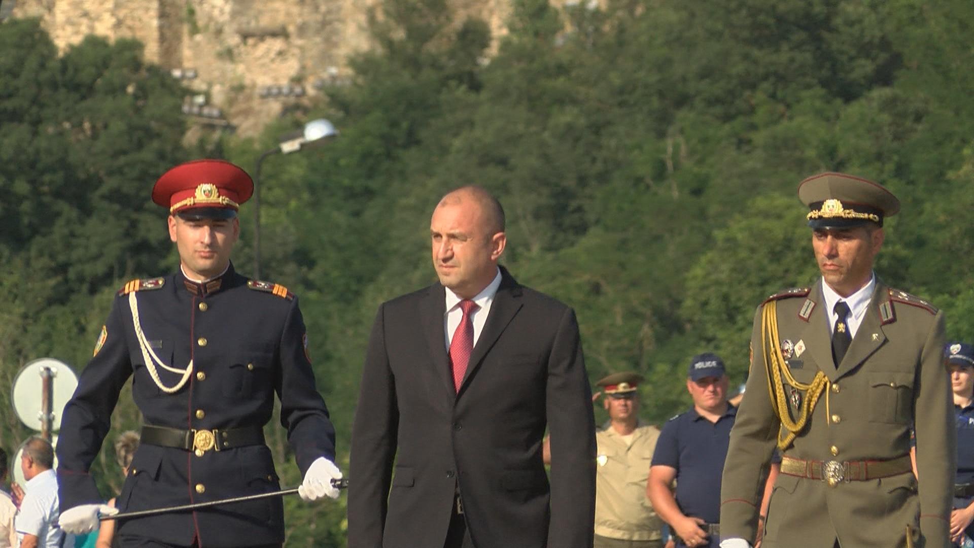 Румен Радев: Очаквам партиите на промяната да следват ясно посоката, която им зададоха българските граждани по площадите