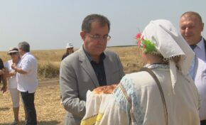 Зърненият баланс на страната ще бъде осигурен, заяви министър Христо Бозуков