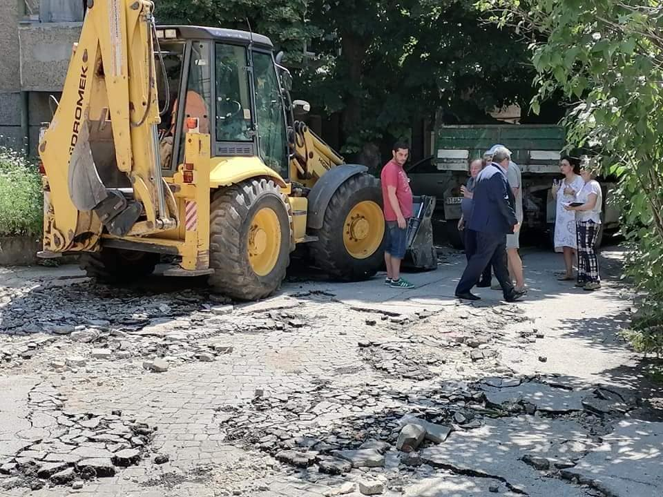 Ремонтират три улици в Горна Оряховица заради щетите от проливните дъждове