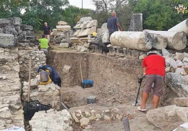 Продължава проучването на форумния комплекс в Никополис ад Иструм