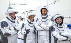 """""""Спейс Екс"""" прави първи опит за полет в орбита около Земята с изцяло цивилен екипаж"""