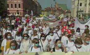 Здравни работници демонстрираха в Полша