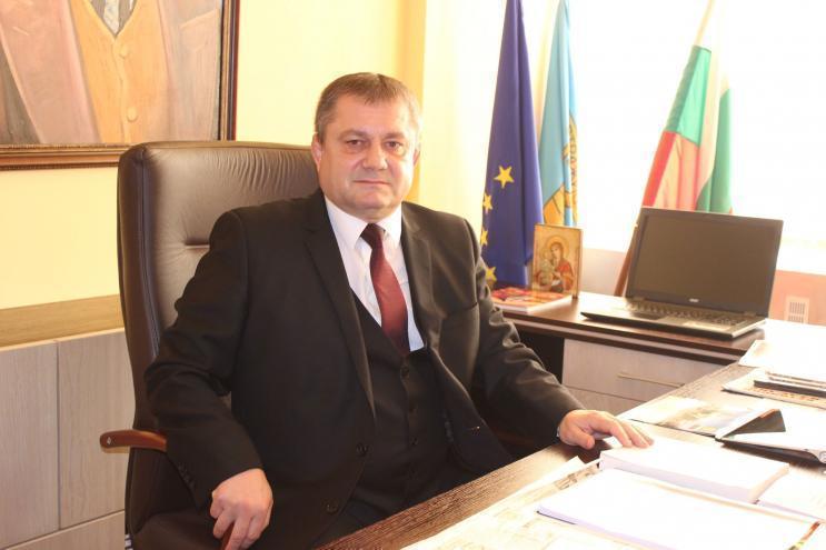 Ден след като вече не е депутат Румен Павлов отново изпълнява длъжността кмет на Стражица