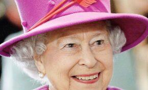Нова восъчна фигура на  Елизабет II беше открита в музея на мадам Тюсо в Блекпул