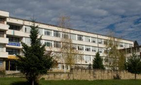 От понеделник персоналът в болницата в Трявна- на работа със зелен сертификат или с отрицателни тестове